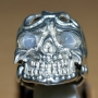 GST1219 - Skull Ring with Grey Star Sapphire